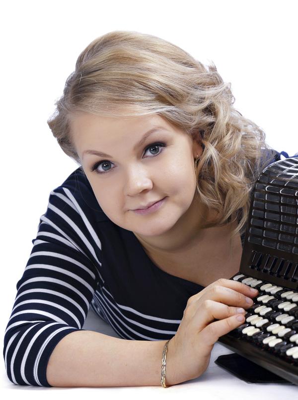 Musiikkikoulu PiaCello Anna-Kaisa Heikkilä, harmonikan soiton opettaja, Jyväskylä.