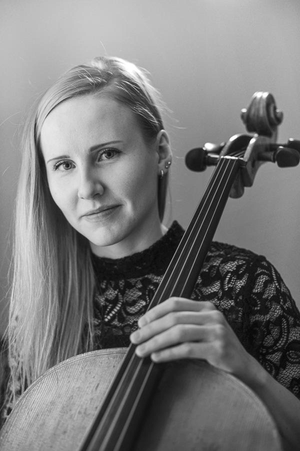Musiikkikoulu PiaCello Saara Renvall, sellonsoiton opettaja, Jyväskylä.