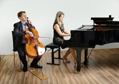 Musiikkikoulu PiaCellossa opit muunmuassa sellonsoittoa ja pianonsoittoa, Jyväskylä.