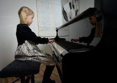 Musiikkikoulu PiaCellossa pianonsoittoa voi oppia ja harrastaa kuka tahansa, Jyväskylä.