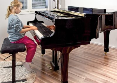 Pianonsoittoa Jyväskylässä opettaa musiikkikoulu PiaCello.