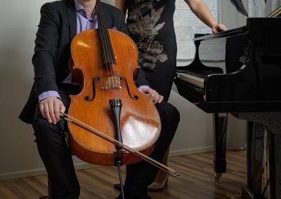Musiikkikoulu PiaCello toimitusjohtaja, pianisti ja sellisti kuvassa, Jyväskylä.