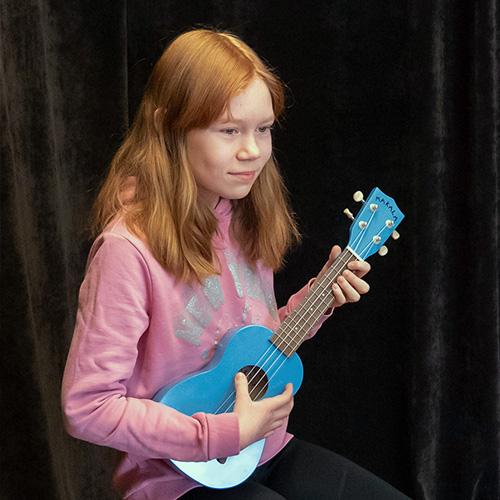 Musiikkikoulu PiaCello ukulelensoiton oppilas, Jyväskylä.